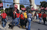 Picket line at Paramount Pictures 2007