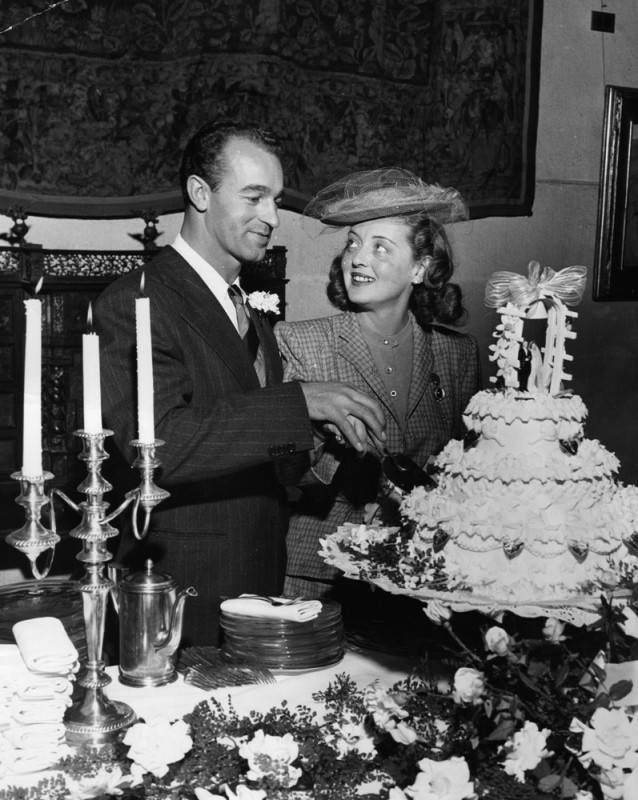 Bette Davis in 1945 with her bridegroom William Sherry