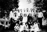 Family picture of Y.H. Chung, 21 members