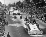 Tournament of Roses parade in 1947, view 2