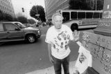 Vendor outside O.J. Simpson trial