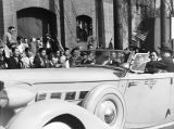Madame Chiang Kai-Shek in car