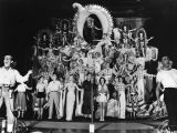 Cast of singers, Earl Carroll Theatre