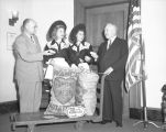 Mayor Bowron promotes California potatoes
