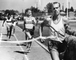 Monroe's Jerry Olson breaks string in 880 race