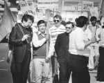 Cesar Chavez pickets supermarket