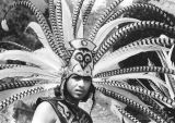 Headdress of feathers