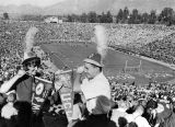 100,000 fans attend Rose Bowl game