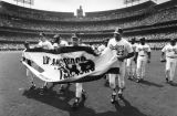 Dodgers to raise championship banner
