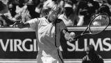 Navratilova wins over Evert