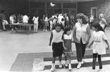 Schoolchildren overcome by gases, Pacoima