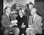 Marion Davies presents funds for children's clinic