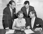 'I Love Lucy' stars sign $8,000,000 contract!