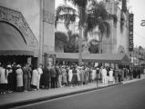 People in line, Grauman's Chinese Theater