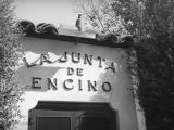 La Junta de Encino wall sign
