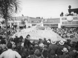 Rose Queen and the Sierra Madre float, 1938 Rose Parade