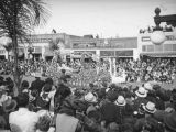 Vista del Arroyo Hotel float, 1938 Rose Parade