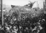Crowds leave the 1938 Rose Parade