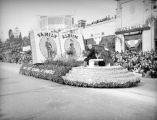 California State Junior Chamber of Commerce float at the 1939 Rose Parade