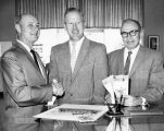 Canoga Park merchants busy on 1960 plans