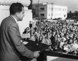 Panorama, Burbank throngs hear Nixon on Valley trip