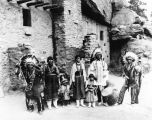 American Indian family group