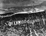 Close view of Hollywoodland sign
