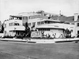 Streamline moderne apartments